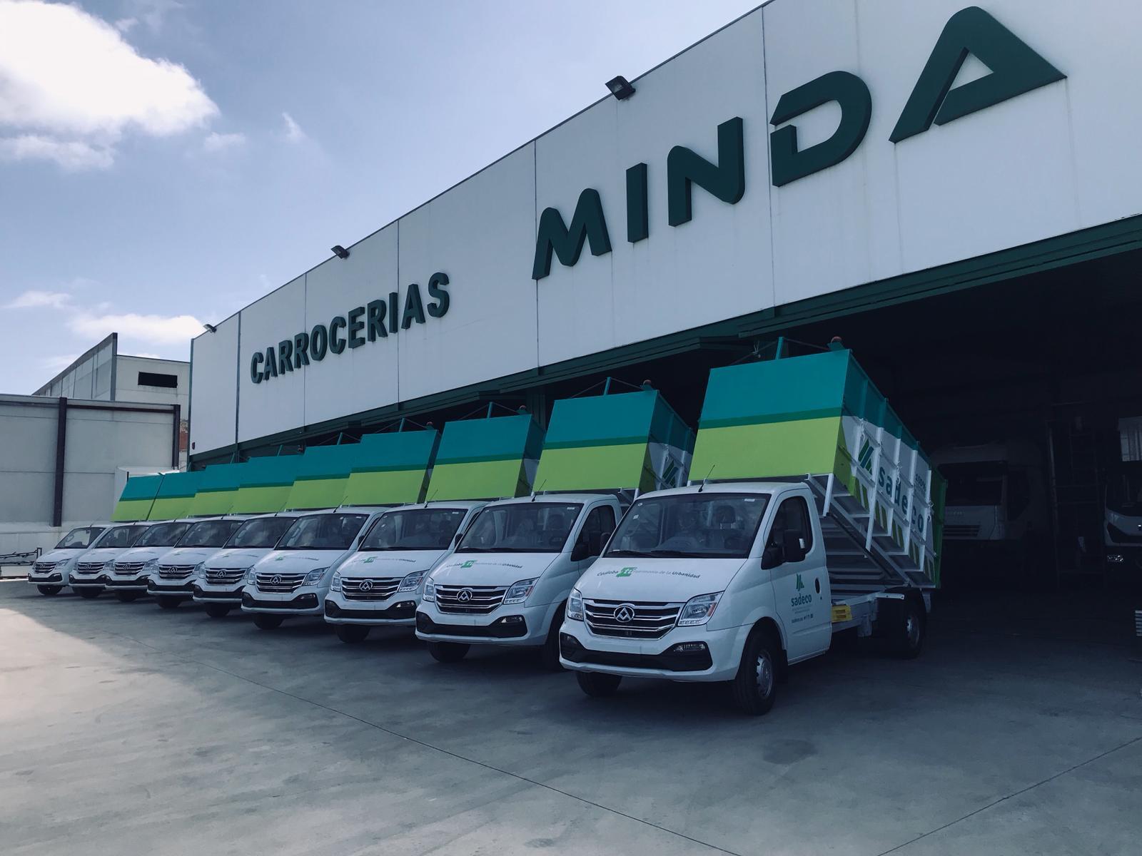 Camioncillos eléctricos Maxus para la recogida de basuras